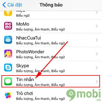 Bước 3: Tại đây, nếu bạn không muốn bất kỳ thông báo tin nhắn mới nào xuất  hiện trên màn hình, hãy tắt tùy chọn Show on Lock Screen (Hiển thị trên màn  ...